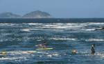 Espuma Praias RJ Banhistas 0291