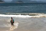 Espuma Praias RJ Banhistas 0294