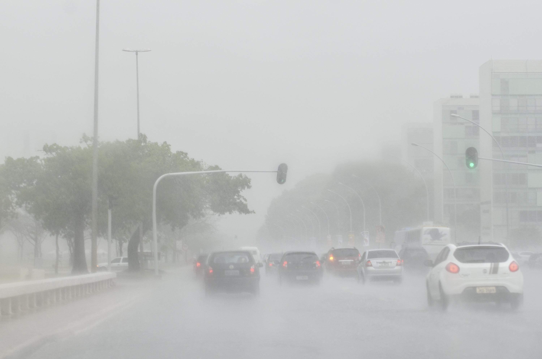 Resultado de imagem para chuva forte