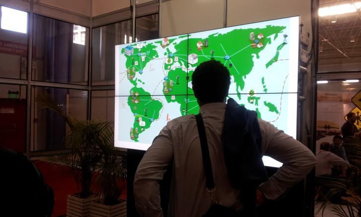 Mapa Mundi e participante do Fisl