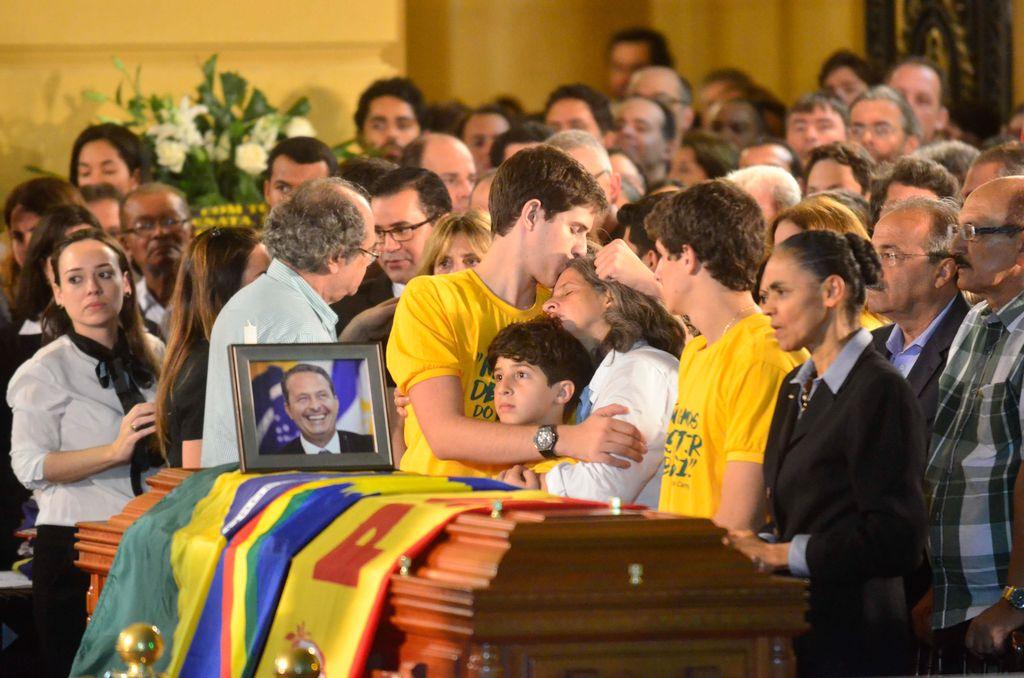Eduardo Campos morre em acidente aéreo