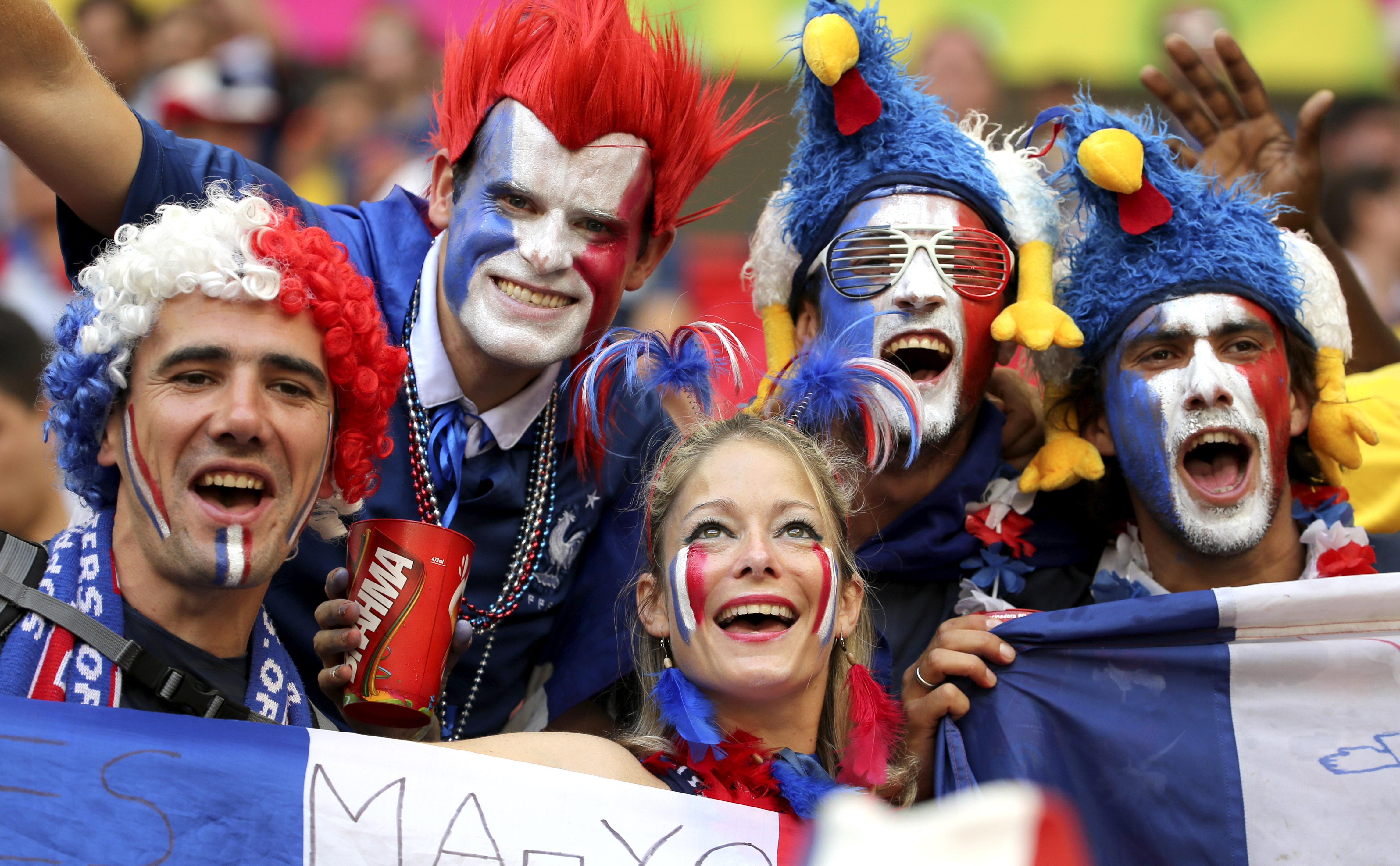 Resultado de imagem para seleção francesa torcida feminina