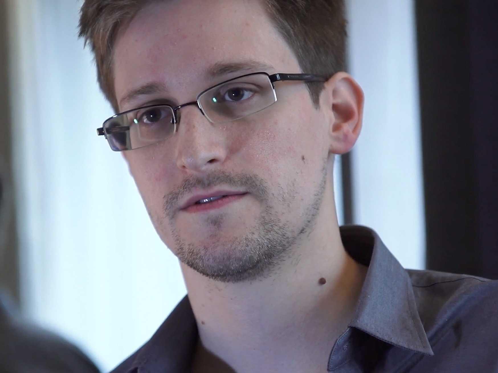 Entenda o caso Snowden; Petrobras também é alvo de espionagem | EBC - Conteúdo público de educação, cidadania, infantil, notícias e mais - edward_snowden