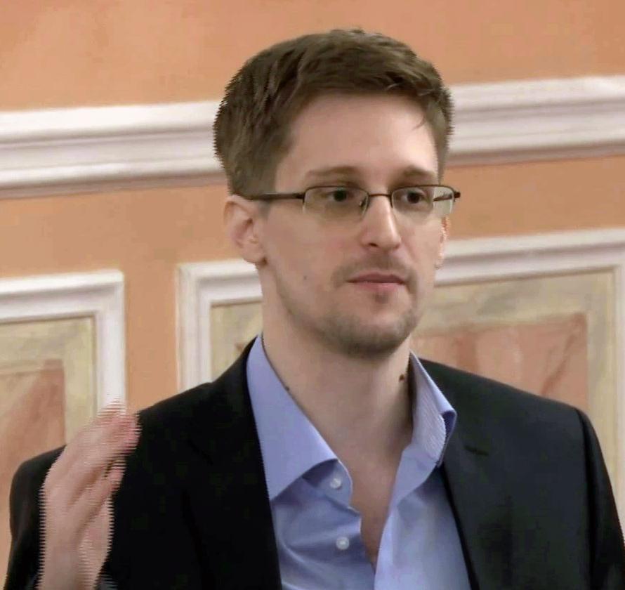 Manifestantes pedem que governo brasileiro conceda asilo a Edward Snowden | EBC - Conteúdo público de educação, cidadania, infantil, notícias e mais - edward_snowden_-_mczusatz_cc_-_17-12-2013