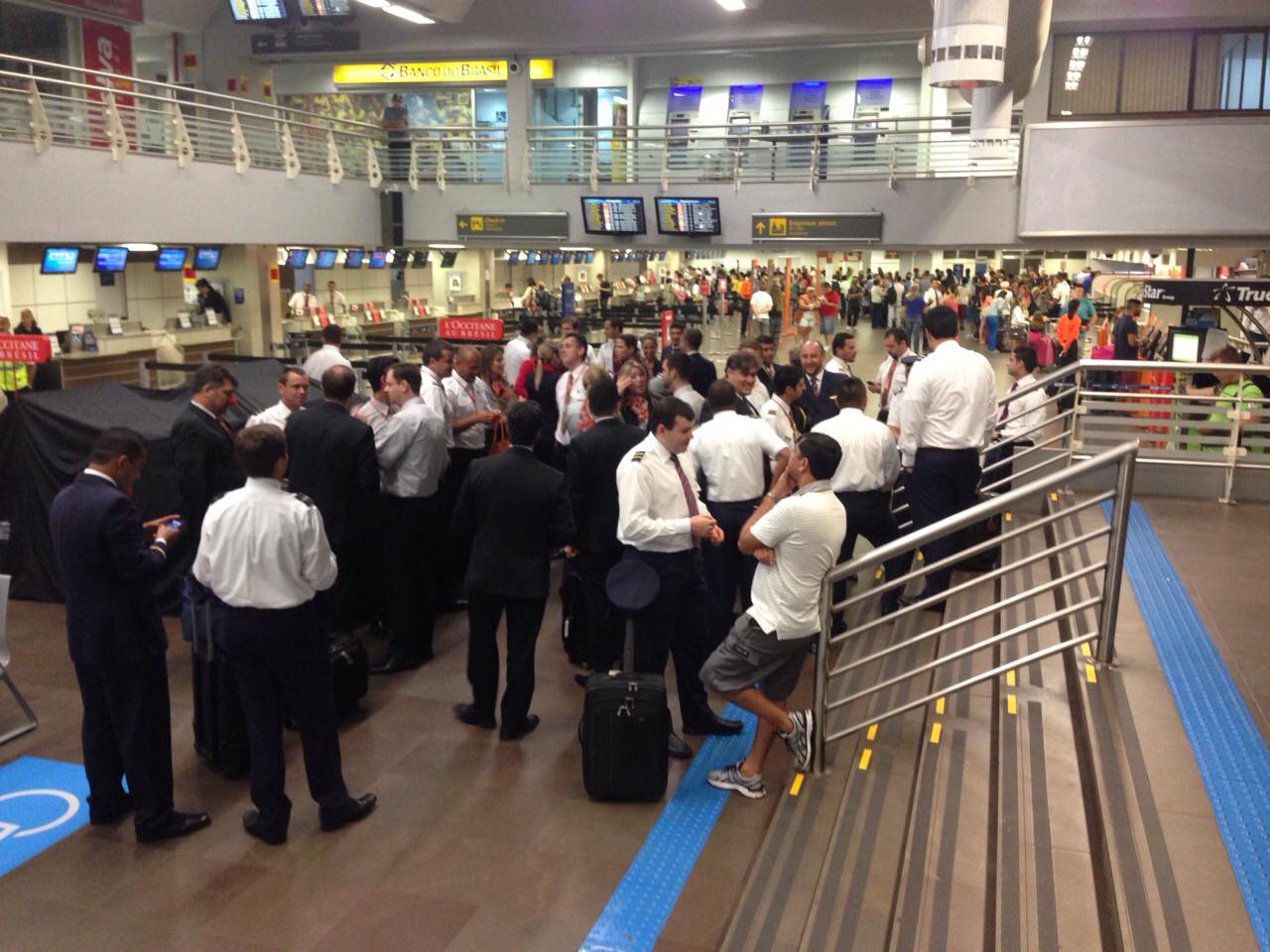 Aeroportos do país registram atrasos em dia de protesto - EBC