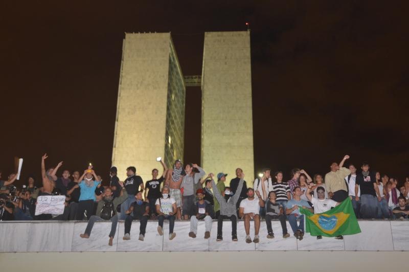 http://www.ebc.com.br/sites/default/files/protesto-brasilia-0-marcello_casal_jr-abr.jpg