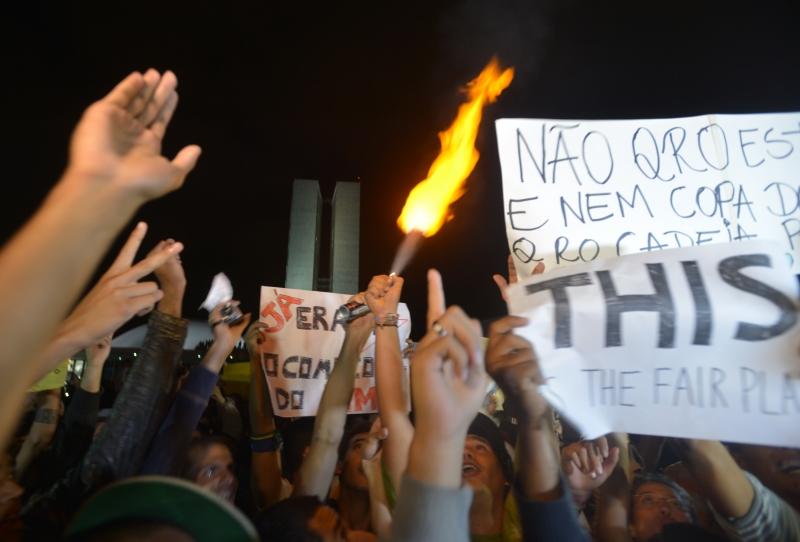 http://www.ebc.com.br/sites/default/files/protesto-brasilia-9-marcello_casal_jr-abr.jpg