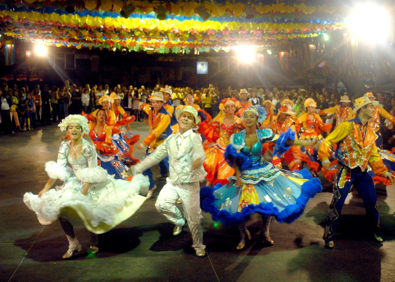 Ebc Saiba De Onde Vem A Quadrilha Dança Típica Das Festas Juninas