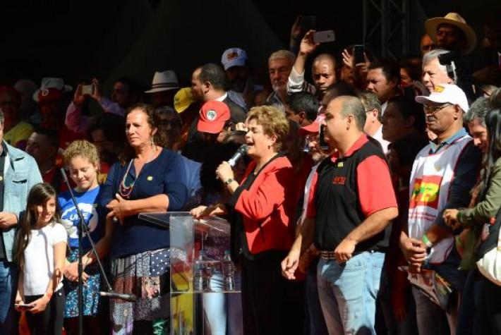 Dilma Rousseff participa de ato, organizado pela CUT, no Vale do Anhangabaú, para comemorar o Dia do TrabalhoRovena Rosa/Agência