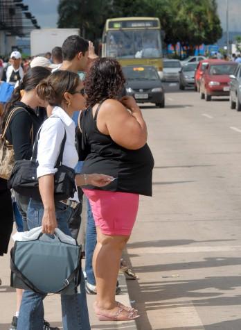 Imagem - Obesos desnutridos: fome e obesidade estão ligadas à pobreza