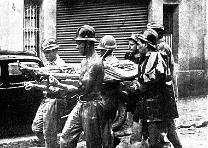 Soldado Antônio Mattos na enchente de 1966