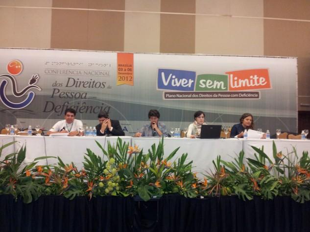 Mesa da plenária final da 3ª Conferência Nacional dos Direitos da Pessoa com Deficiência