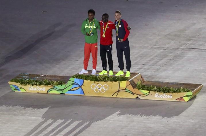 Reuters/premiação dos maratonistas Rio 2016/YVES HERMAN
