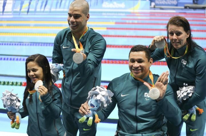 Revezamento natação, equipe brasileira