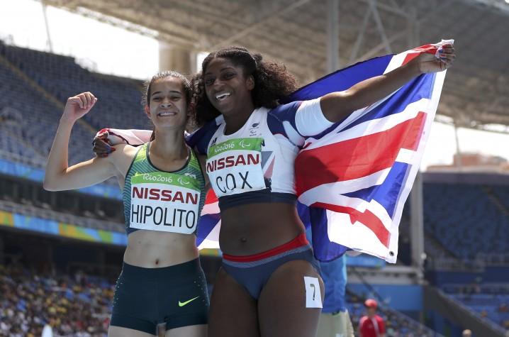 Verônica Hipolito e a britânica Kadeena Cox nos Jogos do Rio 2016 - Foto: REUTERS/Sergio Moraes/ Direitos Reservados