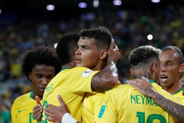 Copa 2018: Thiago Silva celebra segundo gol da seleção brasileira contra a Sérvia