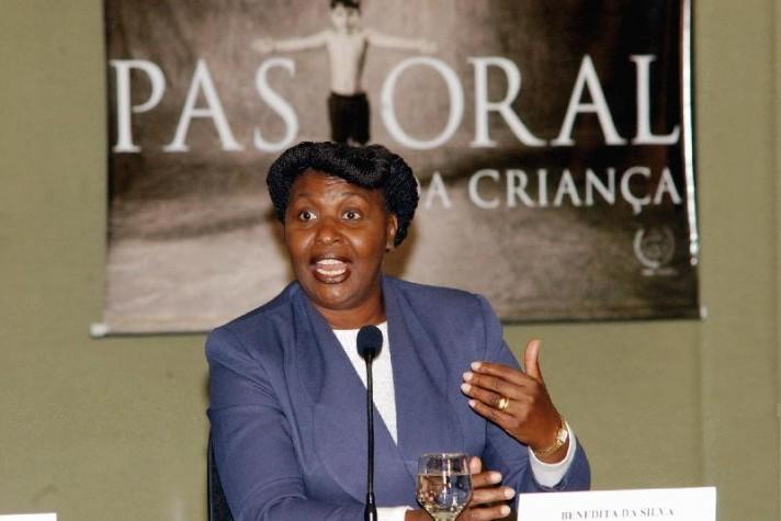 Benedita da Silva como ministra da Promoção e Assistência Social.