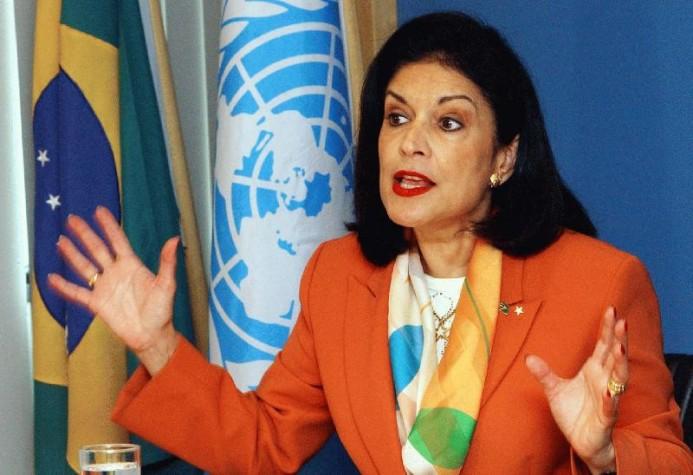 Emília Fernandes como ministra da Secretaria Especial de Políticas para as Mulheres