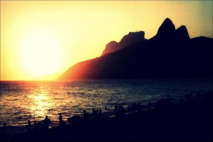 Orla carioca no fim da tarde