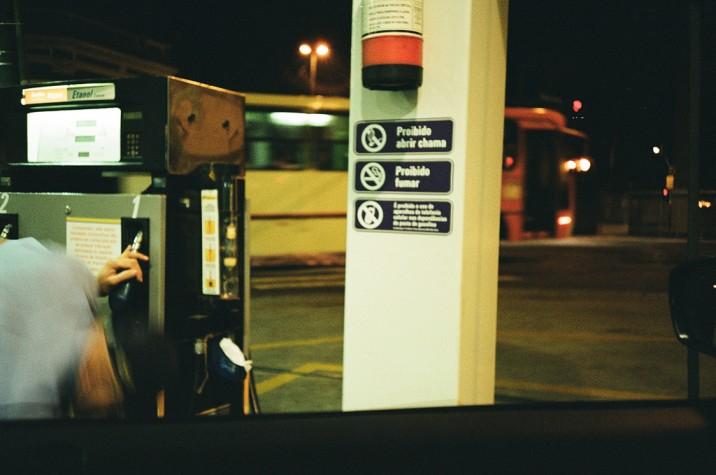 Venda de etanol em posto de gasolina