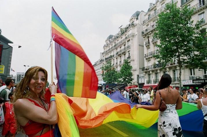 Transexuais na Parada Gay em Paris