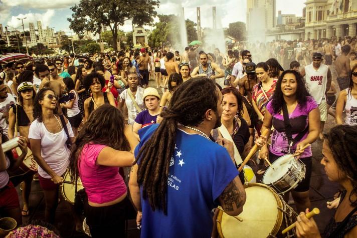 Comemoração de 3 anos da Praia da Estação, movimento que ocupa uma das maiores praças de Belo Horizonte