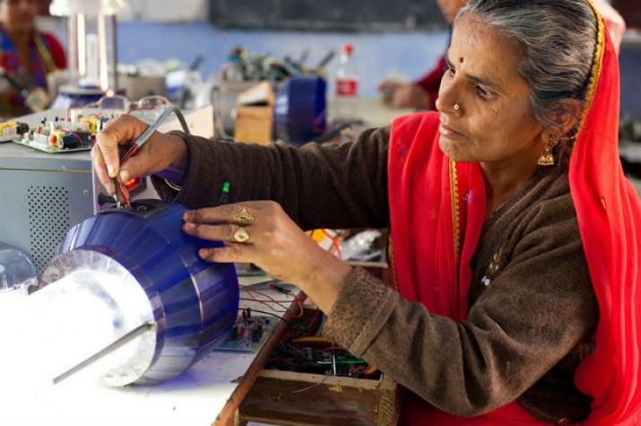 A comunidade global tem se esforçado para inspirar e engajar mulheres e meninas no setor científico