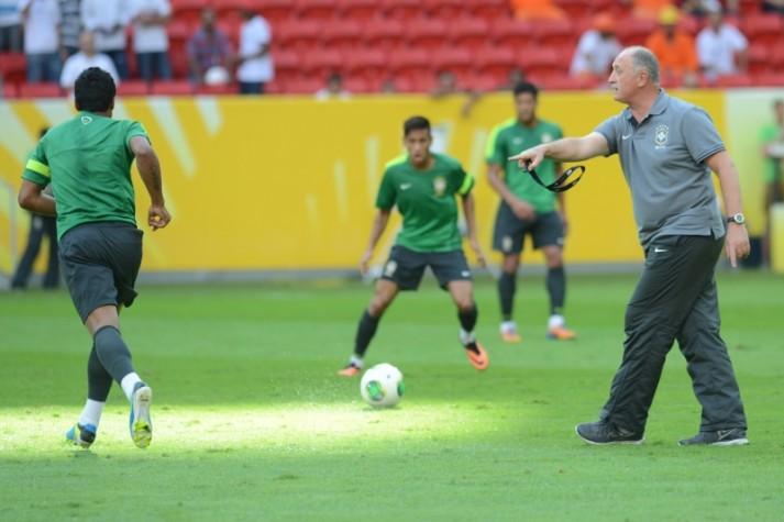 Seleção brasileira de futebol faz treino de reconhecimento no Estadio Nacional Mané Garrincha - 10