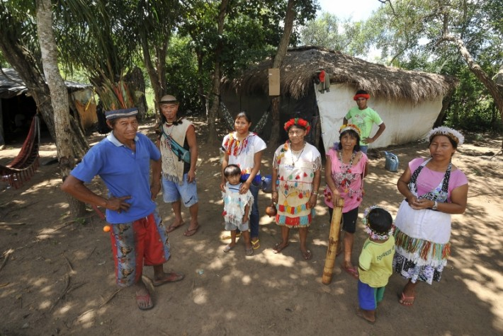 Índios guarani-kaiowá da aldeia Laranjeira Ñanderu