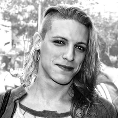 Amanda Palha, travesti aprovada em Serviço Social na UFPE