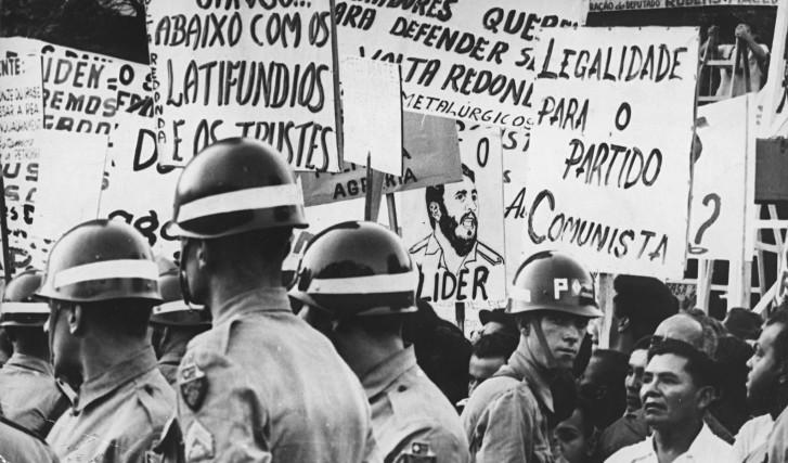 Comício na Central do Brasil no dia 13 de março de 1964