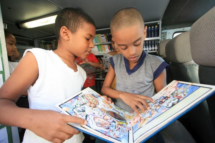 Biblioteca crianças