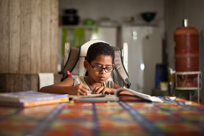 Bolsa Família reduziu desigualdade na educação