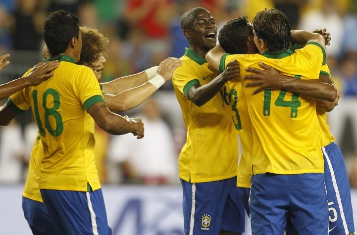 Jogadores do Brasil b525f6eba356b