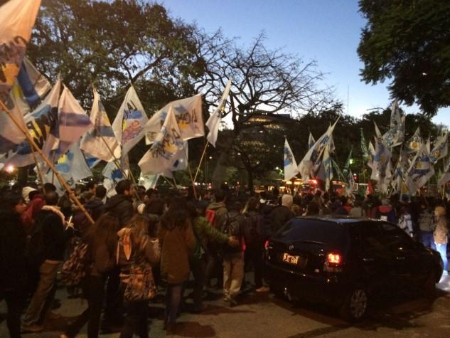 Em Buenos Aires, marcha contra o impeachment reúne partidos e movimentos sociais