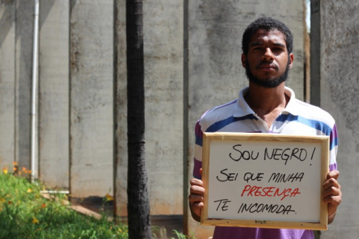 Ah Branco, dá um tempo - projeto contra racismo na UnB. Foto: Reprodução/Tumblr