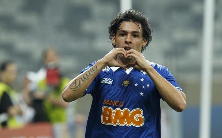 Ricardo Goulart, meia do Cruzeiro