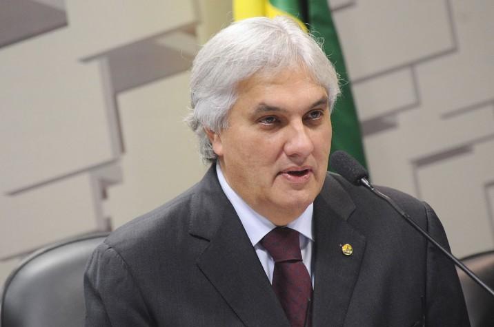 Delcídio Amaral em reunião da Comissão de Assuntos Econômicos