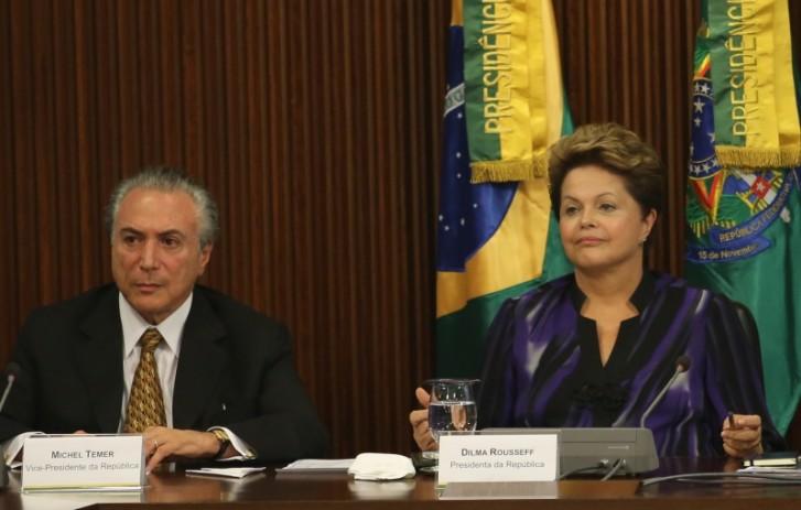 Presidenta Dilma se reúne com governadores e prefeitos