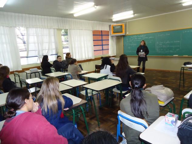 Estudantes se preparam para o ingresso na universidade