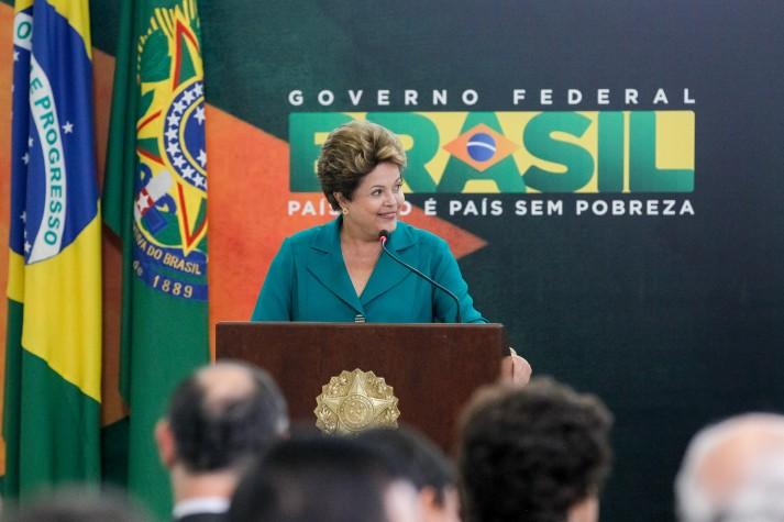 Dilma sanciona lei dos royalties