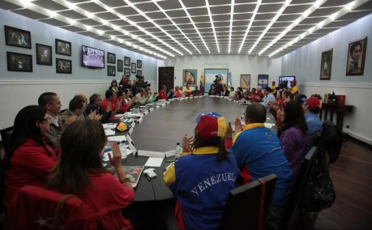 Governo venezuelano se reúne em Caracas