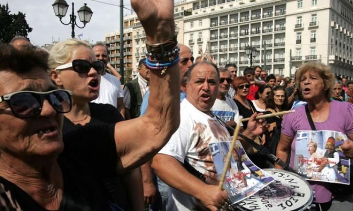 Aposentados participam de protesto contra austeridade na Grécia