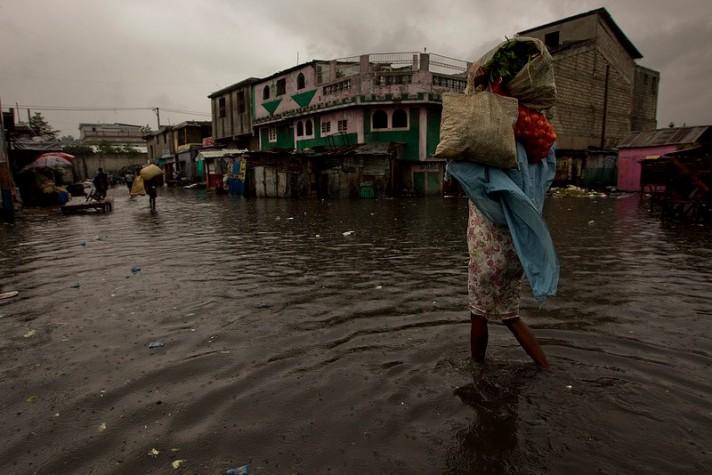 Haiti também registra grandes estragos após passagem de furacão Sandy