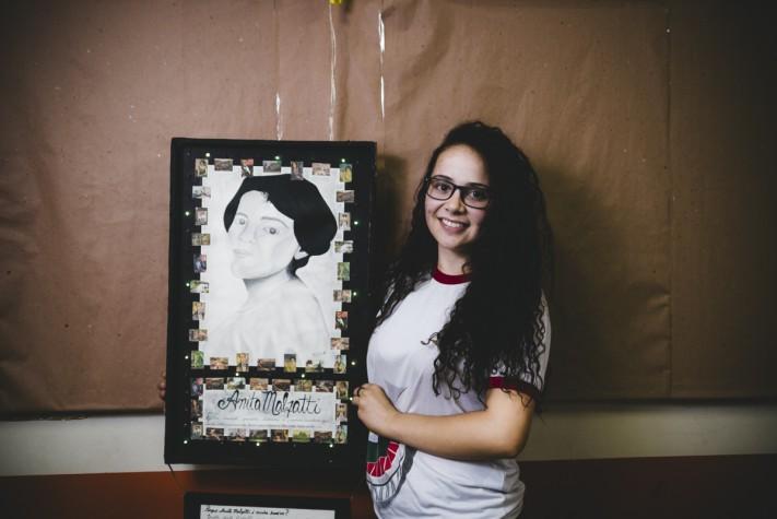 Heroínas sem Estátua: Liara mostra seu painel luminoso, feito em hmenagem à artista Anita Malfati