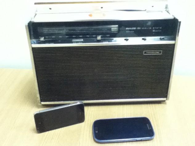 Com a tecnologia, usuário podem levar o rádio no bolso. É só baixar um aplicativo e ter conexão com internet