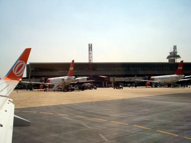Aeroporto Juscelino Kubitschek : Ebc manifestação em brasília bloqueia pista que dá
