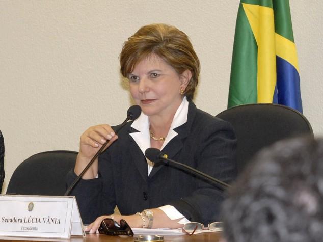 Senadora Lúcia Vânia