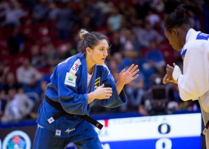 Mayra Aguiar no Mundial de Chelyabinsk