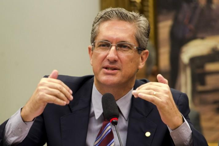 Presidente da Comissão do Impeachment Deputado Rogério Rosso